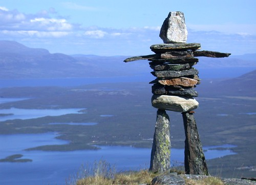 Cairn on Njuolja, Abisko, Swedish Lappland | by Circle of Light Photography