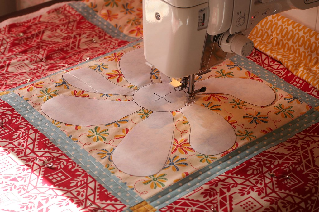 Free Motion Quilting with a Freezer Paper Template | Flickr : freezer paper quilting - Adamdwight.com