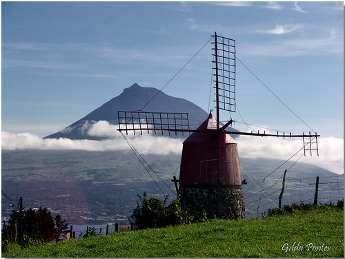 Moinho do Faial com o pico ao fundo | by Azorina