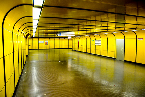 Emptiness in yellow | by manganite
