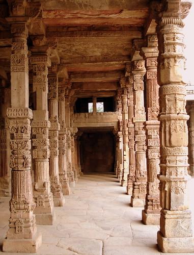 Pillars The Beautiful Pillars Near Qutub Minar Delhi