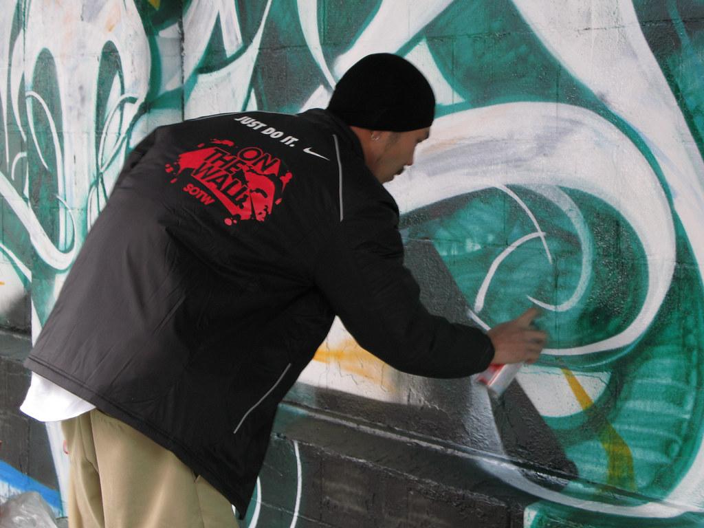 Yokohama graffiti wall - Art On The Wall In Yokohama