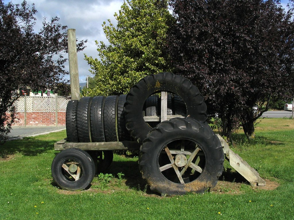 Tyre tractor the playground equipment at lumsden park for Tire play structure