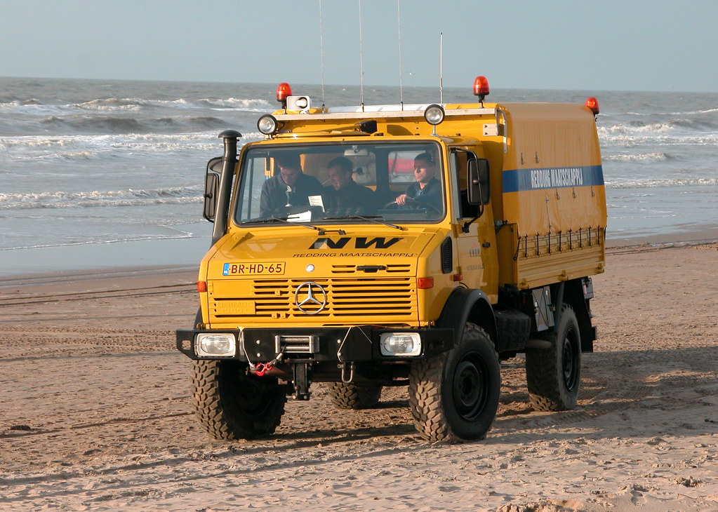1984 mercedes benz unimog 435 in use by the sea rescue. Black Bedroom Furniture Sets. Home Design Ideas