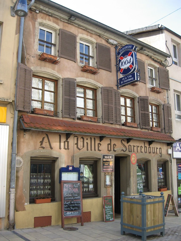 Sarrebourg grand rue 4 restaurant a la ville de sarrebo for Restaurant la piscine sarrebourg
