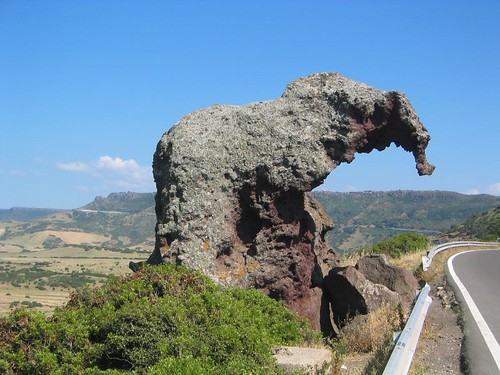 Sardynia - Skała Słonia - zdjęcia, atrakcje