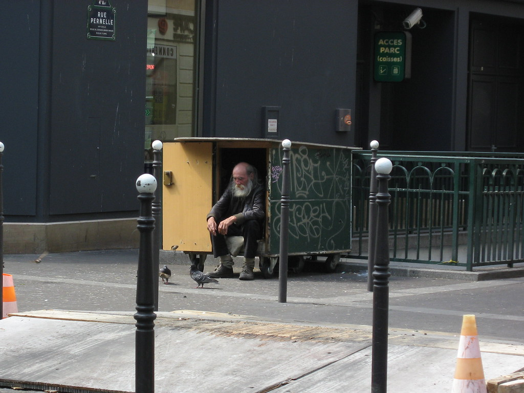 Living in a Box | This guy lives in thix box since years ...… | Flickr