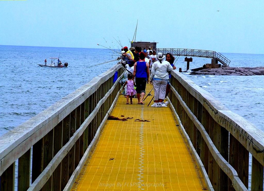 The fishing pier at matagorda beach matagorda texas for Matagorda fishing report