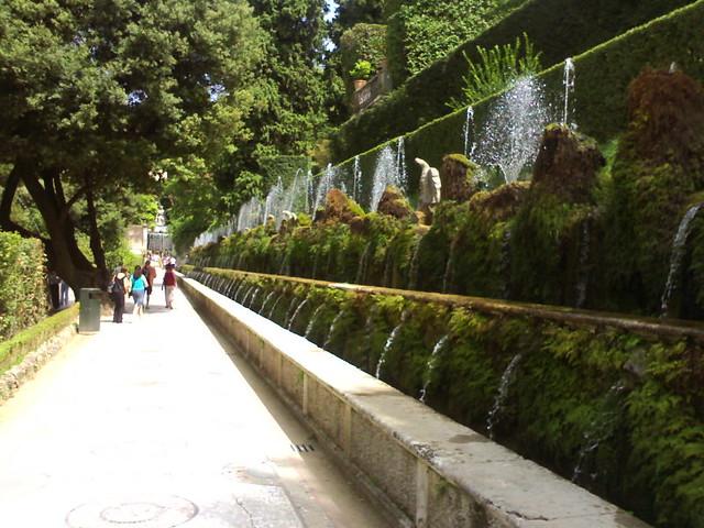 Jardines de tivoli 2 de nuevo la famosa hilera de for Jardin tivoli