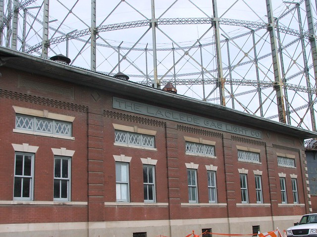 Laclede Gas Co Gasometer On Chouteau Ave 1 St Louis Flickr
