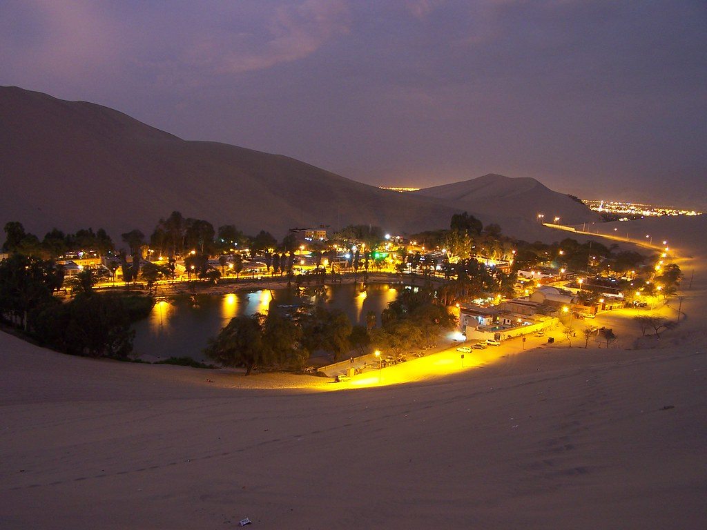 Huacachina in Ica Peru | Huacachina Oasis in Ica, Peru ...: http://flickr.com/photos/waltercin/445273518