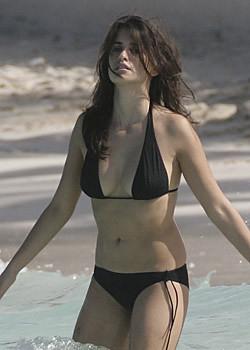 Penelope cruz bikini pics