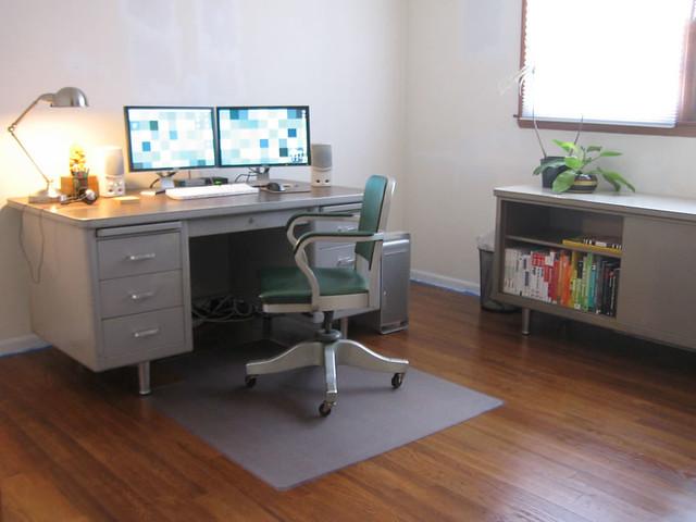 Office Setup Gray Steelcase Desk Credenza Shaw Walker