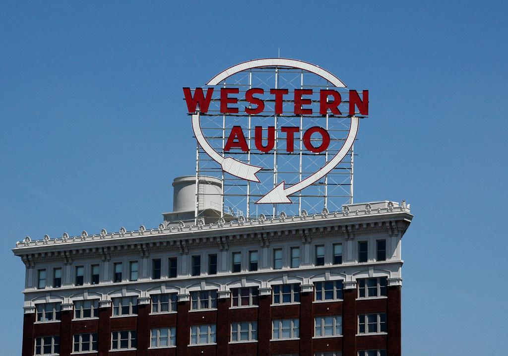 Kansas City Auto Dealers Open Sunday