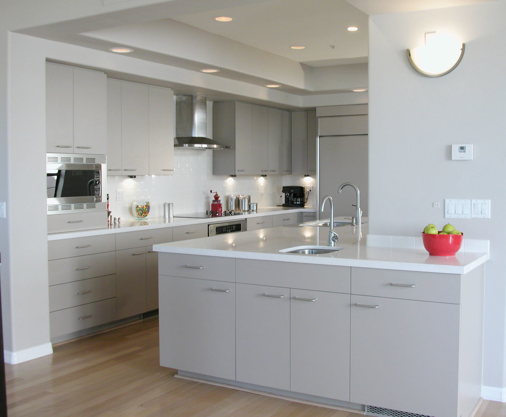 White Kitchen Cabinets With Colored Countertops