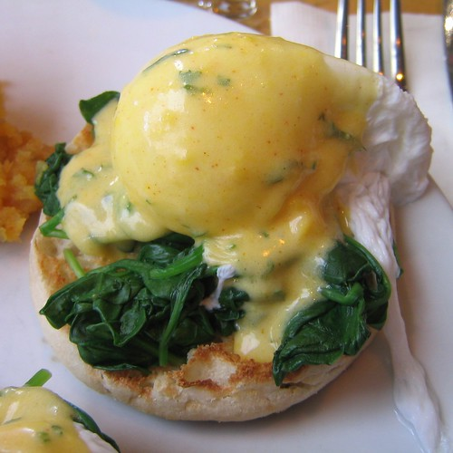 eggs florentine | I love me some poached eggs. | dlightful