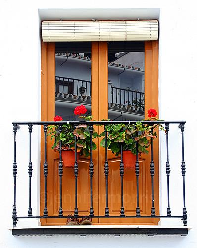 Spanish balcony jengrantmorris flickr for Balcony in spanish