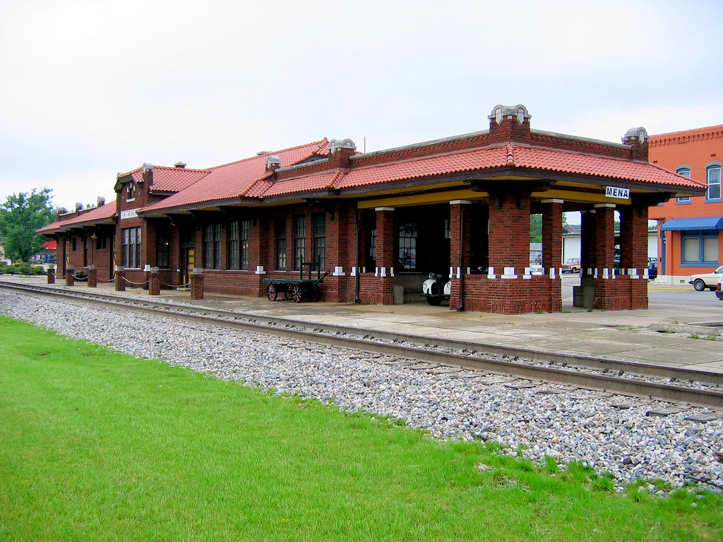 Mena Ar Train Station Built By Kansas City Southern In