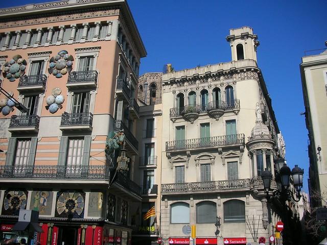 Entrance to calle de la boqueria with its unique umbrella - Calle boqueria barcelona ...