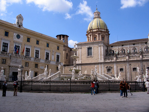 Fontana pretoria and San Giuseppe dei Teatini | by spaceodissey