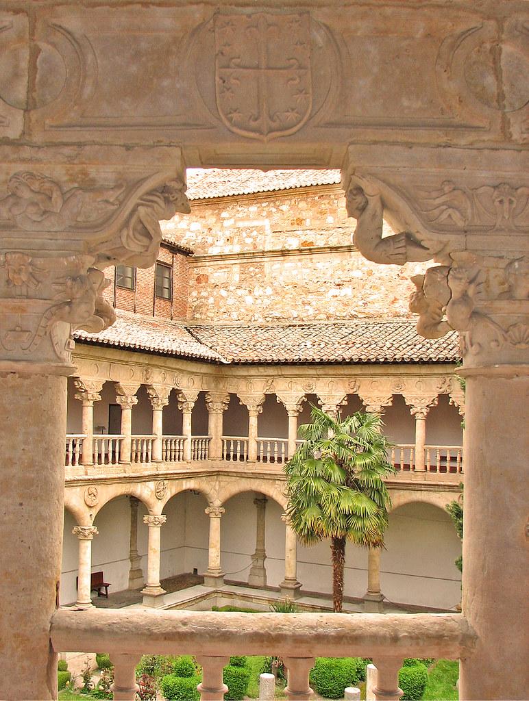 Las Deunas cloister  The Convento de Las Duenas in ...