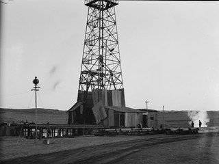 No Known Restrictions: Iraq Oil Fields, Drilling Tower from Matson Collection, 1932 (LOC) | by pingnews.com