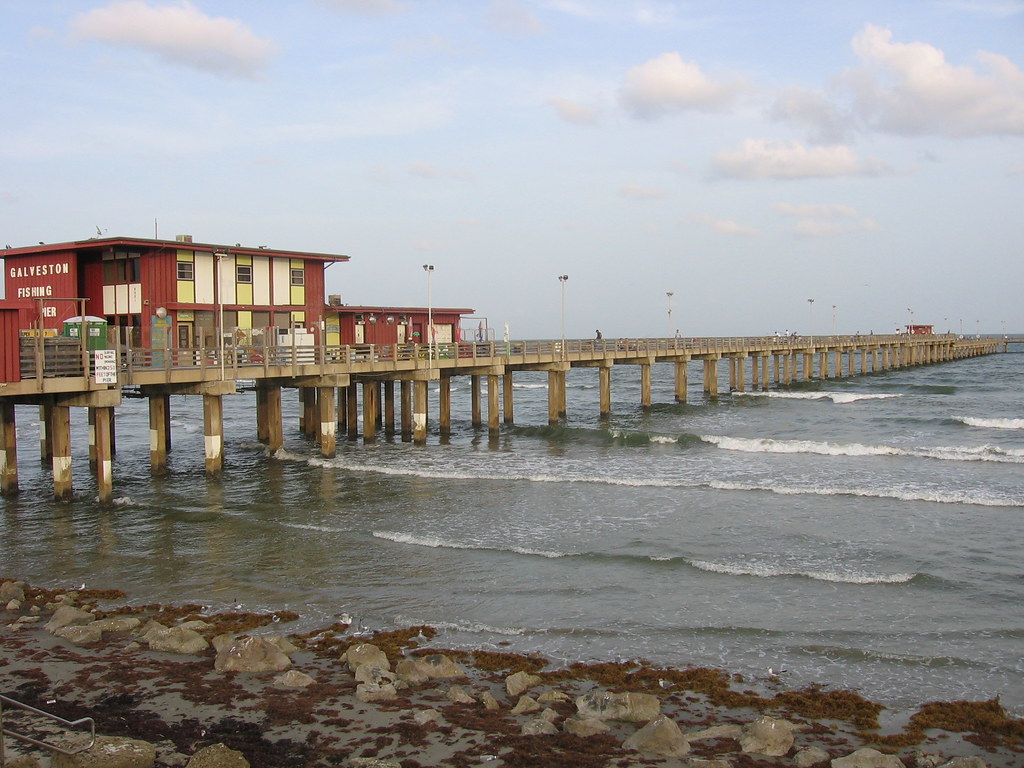 Galveston fishing pier jamesvanroo flickr for Galveston fishing pier report