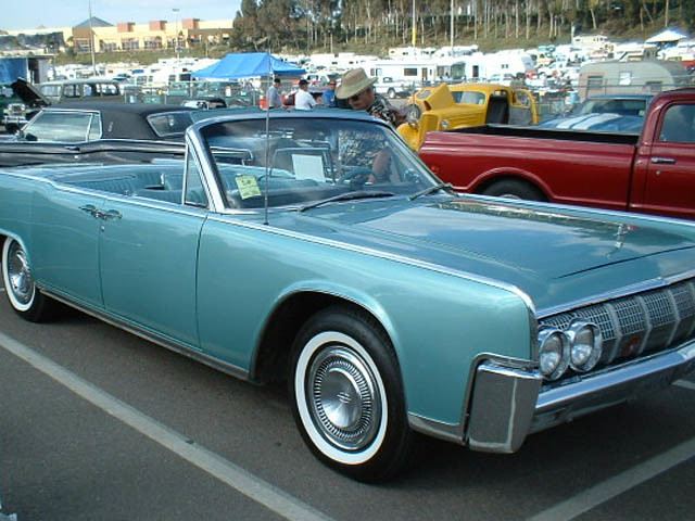 ladybird 1964 lincoln continental convertible almost 100 flickr. Black Bedroom Furniture Sets. Home Design Ideas