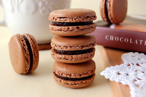 Chocolate Macarons | Chocolate macarons sandwiched with earl ...