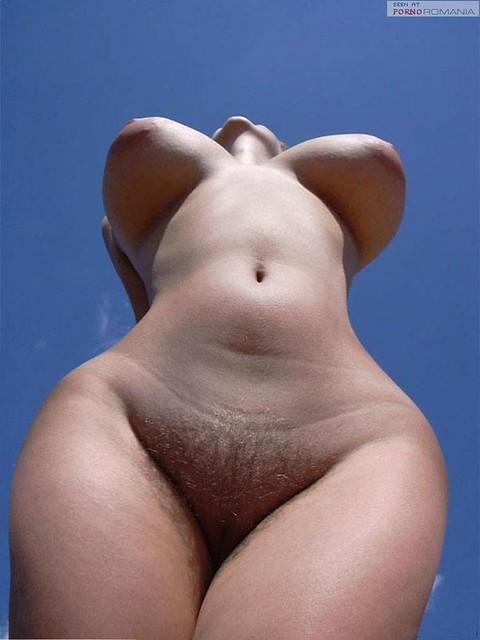 голые непрорциональной формы женщины фото