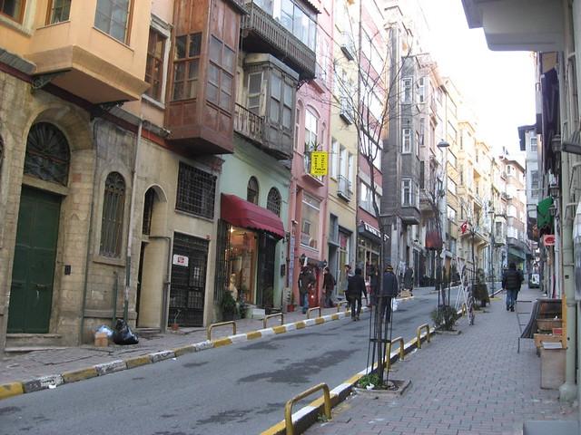 Istanbul, Cukurcuma street | charming old neighborhood ...