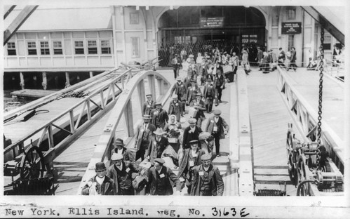 No Known Restrictions: Ellis Island Immigrants by National Photo Co., ca. 1909-1932 (LOC) | by pingnews.com