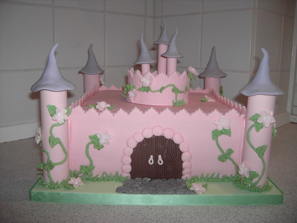 Fairy Tale Castle Birthday Cake A Littel Girls Birthday W Flickr