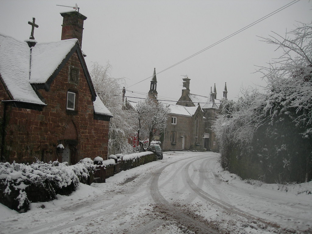 snowy english village wallpaper - photo #1