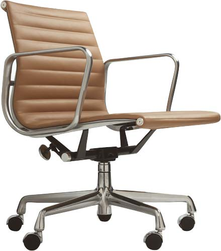 Superieur ... EAMES Aluminum Management Chair | By G A I L E