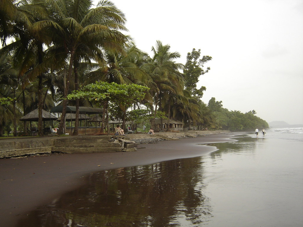 Volcano beach in Limbe | At the foot of an active volcano ...