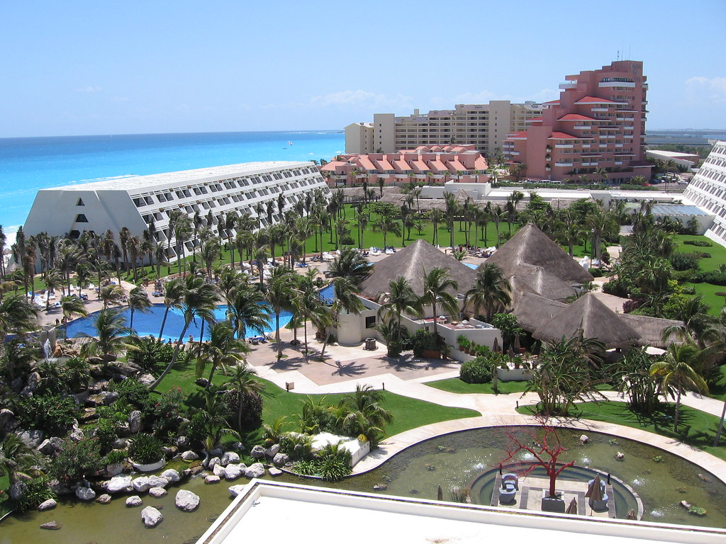 Oasis Hotel Cancun Reviews