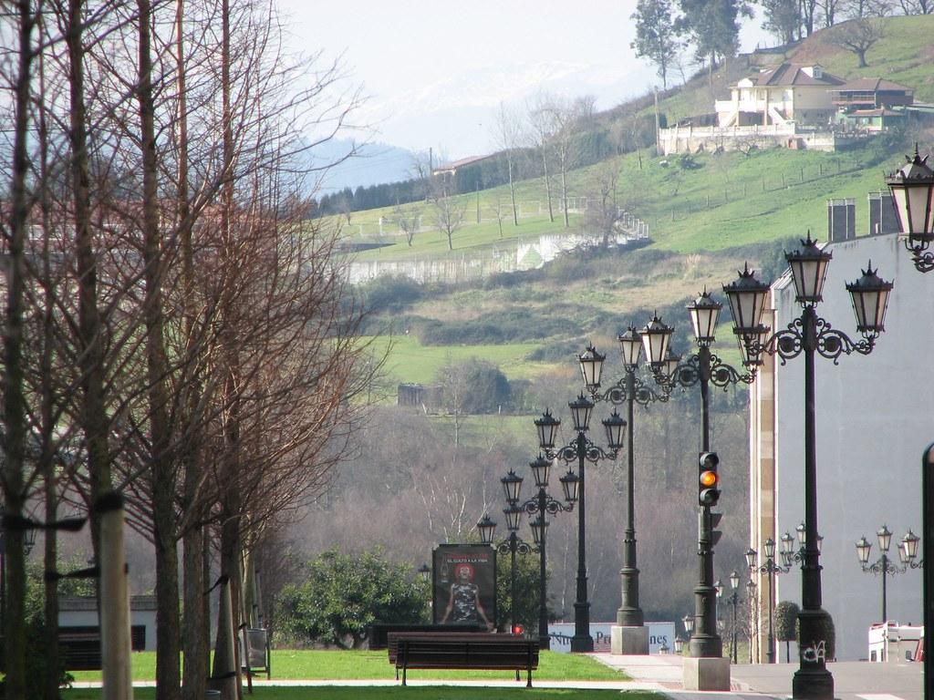 Barrio de la florida oviedo vista de san l zaro de for Piscinas san lazaro oviedo
