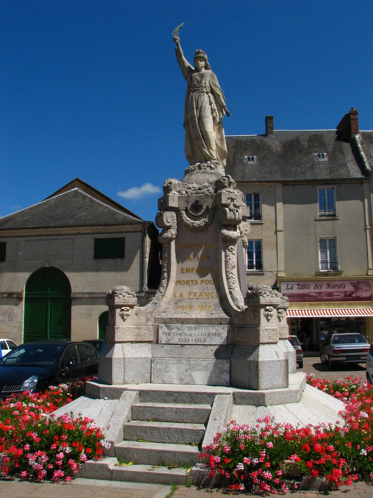 Band Of Brothers The Statue At The Square In Carentan