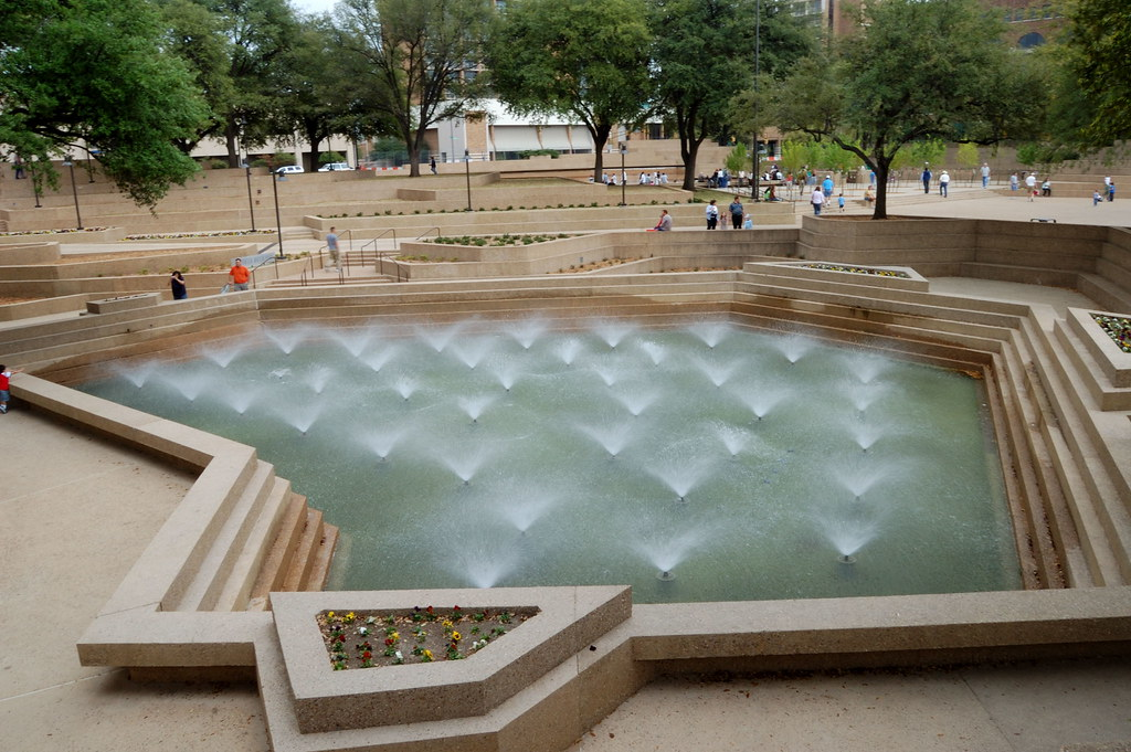 Fort Worth Water Gardens Mandy Took Me To The Fort Worth W Flickr