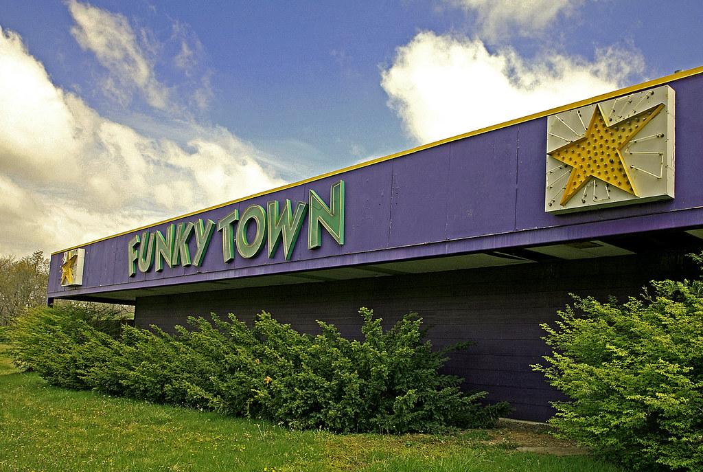 FunkyTown   In a Funky Mood in Raytown, Missouri USA   Bob ...