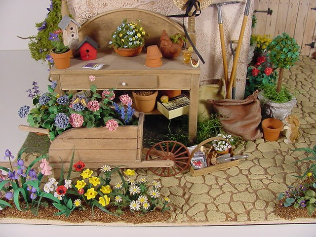 Miniature potting shed 1 12 scale miniature 1 12 scale for Mini potting shed