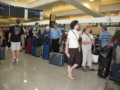 Hartfield Delta Baggage check_0472