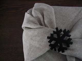wrapping | by red felt flower