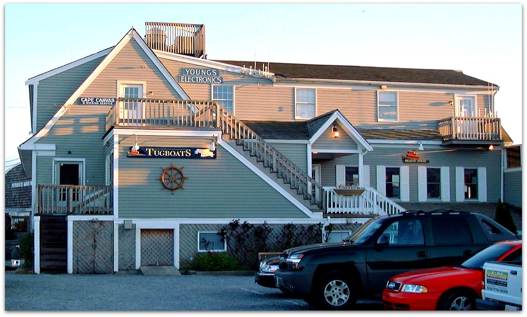Tugboats Restaurant At Hyannis Port Cape Cod Massachus Flickr