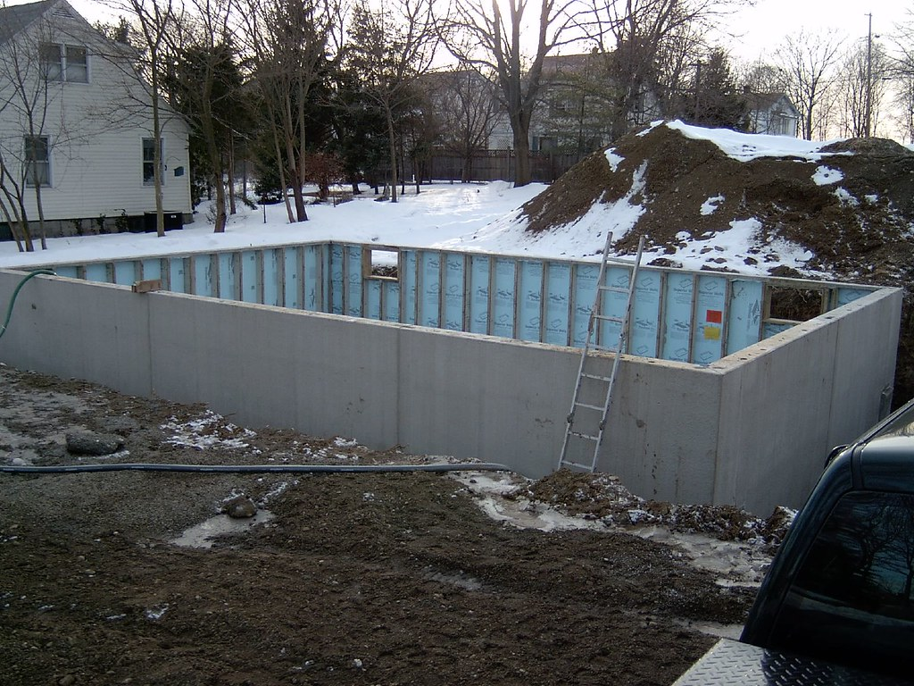 Modular home foundation set completion of superior for Prefab foundation walls