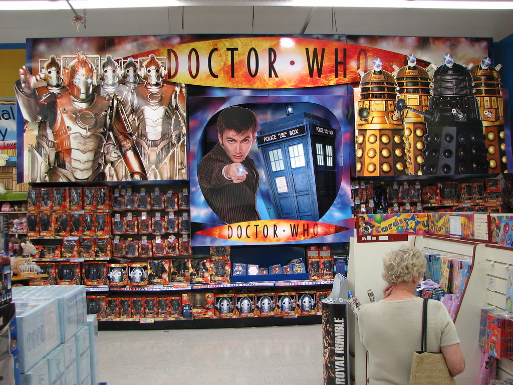 Doctor who toy wall toys r us medway uk ian muttoo for Cuisinette toys r us