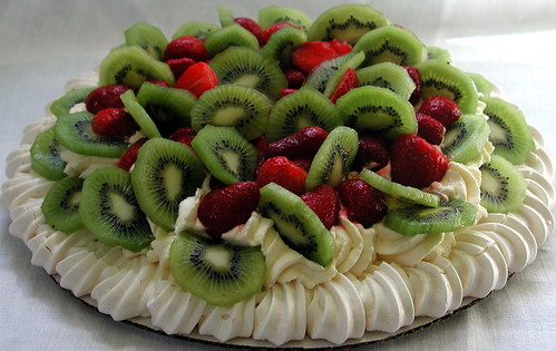 classic pavlova | by distopiandreamgirl