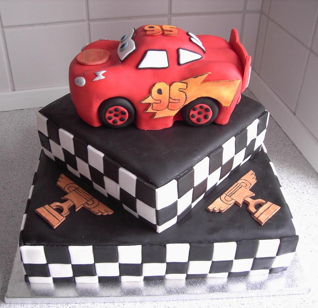 Lightning McQueen A 3D birthday cake shaped like Lightning Flickr