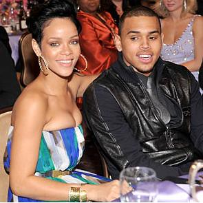 rihanna & chris brown na Grammys | by CURIOSOº